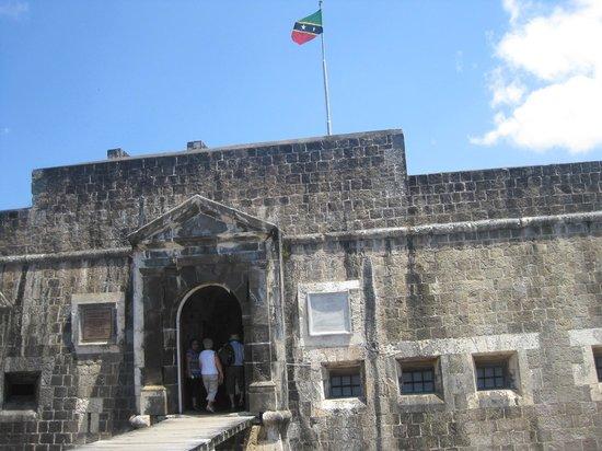 Island Paradise Tours: Brimstone Hill Fortress