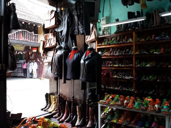 Hue Kiem Shoe Shop