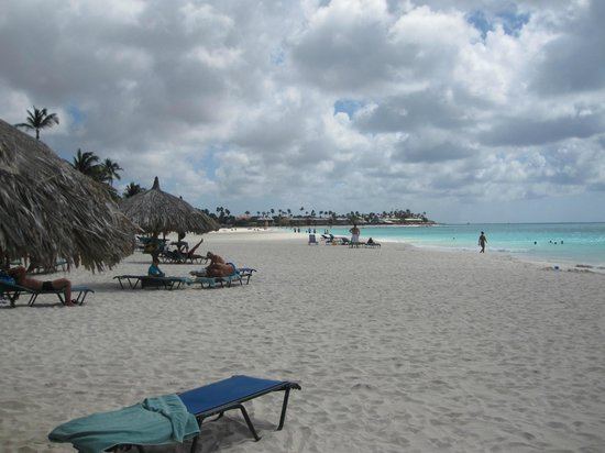 Divi Village Golf and Beach Resort: The Palm beach. Some clouds today, but warm and nice
