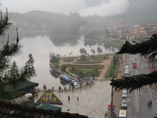 Victoria Sapa Resort and Spa : Lake in Sapa. Incredibly beautiful town.