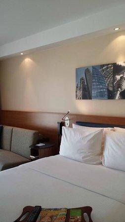 Hampton by Hilton Berlin City West: Room