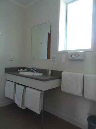Kings Court Motel: Bathroom