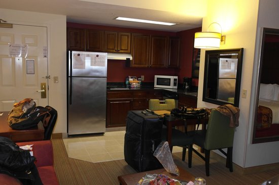 Residence Inn Beverly Hills: Номер-студия с кухней