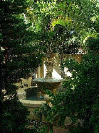 Villa Tuscana: Fountain