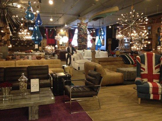 ABC Carpet & Home: Røff møbel avdeling