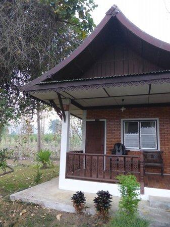 Muang Pai Resort: Ruime kamer - buitenkant