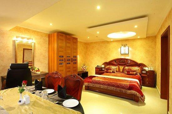 Sea Palace: suite room