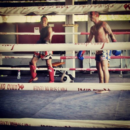 Lanta Gym Muay Thai Bungalows: Training session