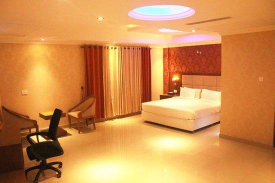 Sea Palace: room