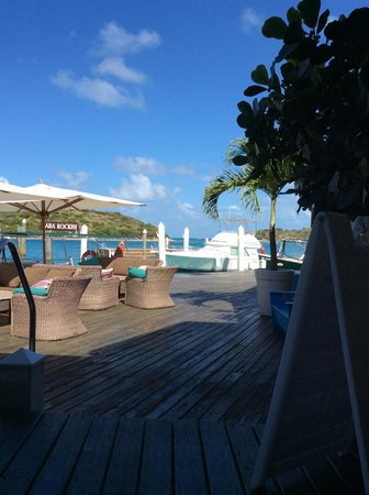 Saba Rock Resort: A view from the lounge area