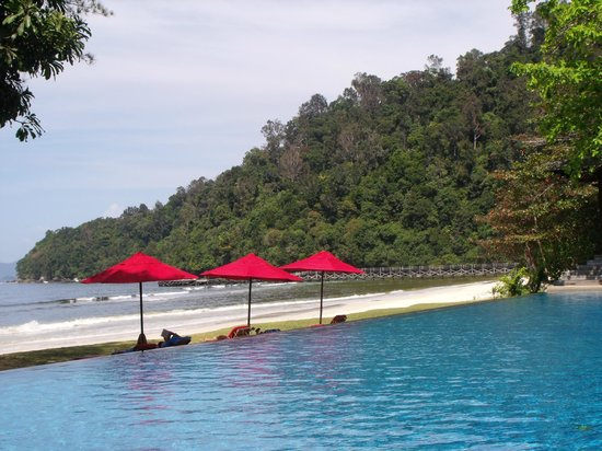 Bunga Raya Island Resort & Spa: Another pool/beach view