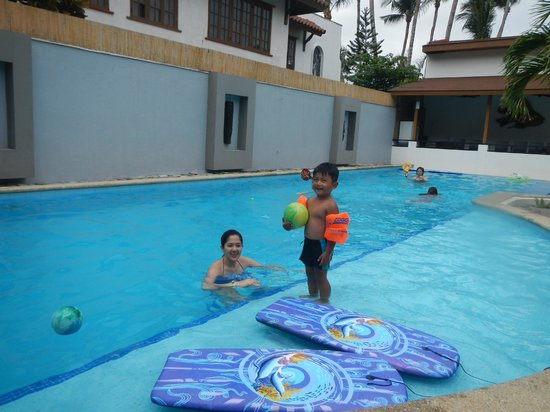 Out of the Blue Resort: Main pool area on the lowest level which includes a baby pool. There is a pool at Villa 1 as wel