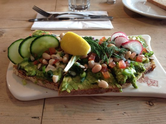 Le Pain Quotidien: Avocado tartine
