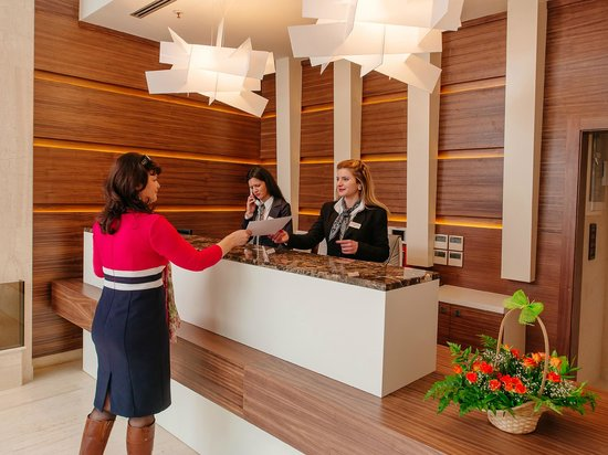 Hotel New Star : Reception desk