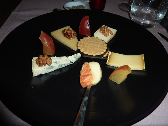 Indigo Bar Restaurant : Selection of French cheeses, final course