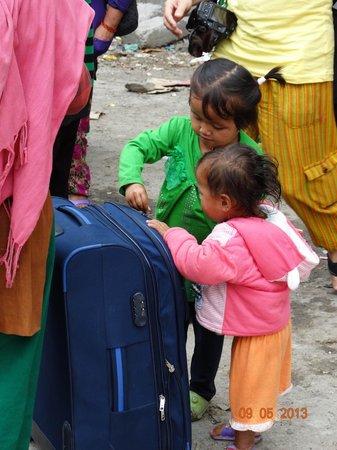 Zhangmu Treaty Port: Что ждёт этих детей!?