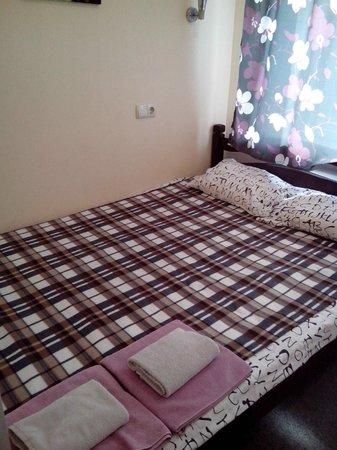 Botanicheskiy Guest House: кровать