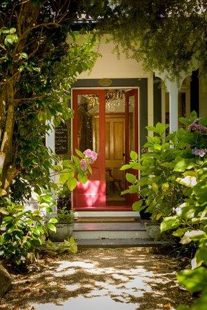 Beaufort House Akaroa: Beaufort House Entrance