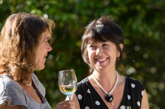 Beaufort House Akaroa: Guests mingling