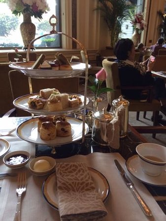 The Peninsula Hong Kong: afternoon tea
