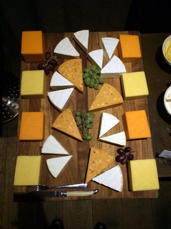 St. Ermin's Hotel, Autograph Collection: Breakfast cheese board