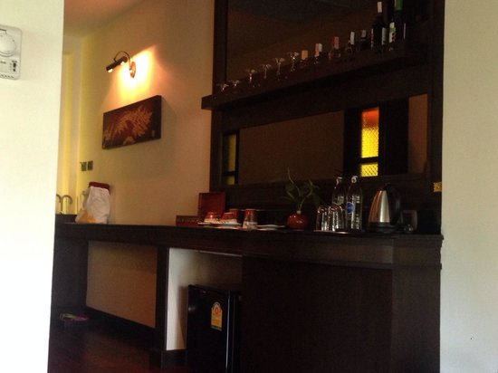 The Elements Krabi Resort: Mini bar/ entrance way