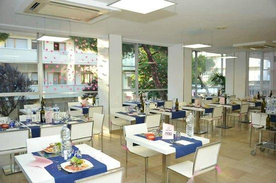 Hotel Astra : La sala ristorante