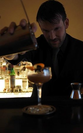 Rivabar : How to make perfect drinks? Watch Sebastian!
