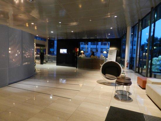 Pullman Paris Centre - Bercy: Холл отеля