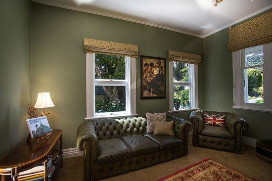 Banks House Akaroa : Sitting Room