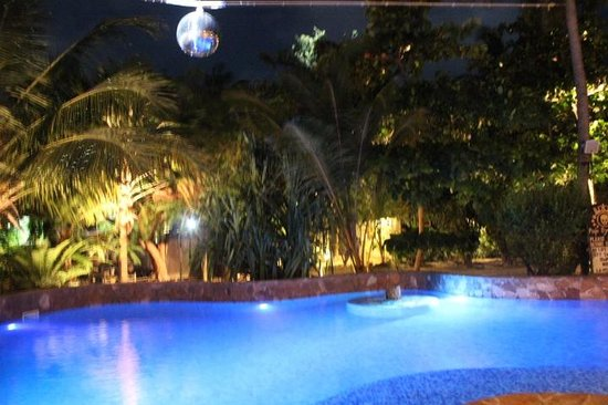 Paje by Night Hotel: Pool by Night