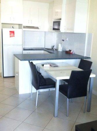 Breakfree Alexandra Beach Premier Resort : Kitchen/Dining