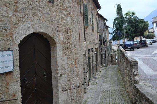 Hotel Ristorante Fortezza: Uno scorcio del borgo