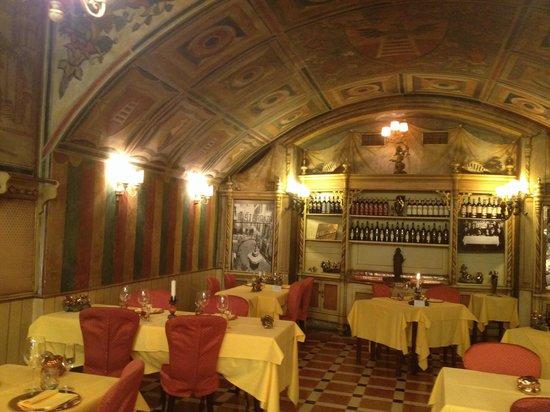 Sala da pranzo foto di ristorante 12 apostoli verona - Foto sala da pranzo ...