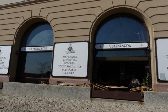 Korona Cukraszda: Korona Kavehaz building