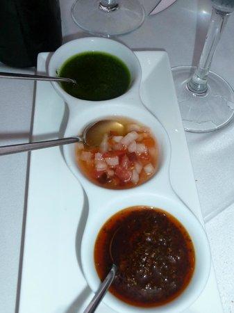 Tehuelche Grill Argentino : Verschiedene Saucen zum Fleisch
