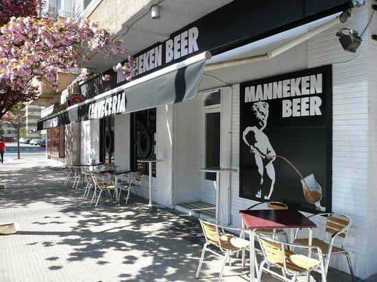 Cerveceria Manneken Beer: Nuestra tranquila terraza