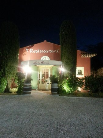 Le Murier: Entréé du restaurant