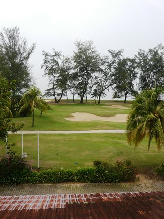 Resorts World Kijal : View over the golf course towards the ocean from the room