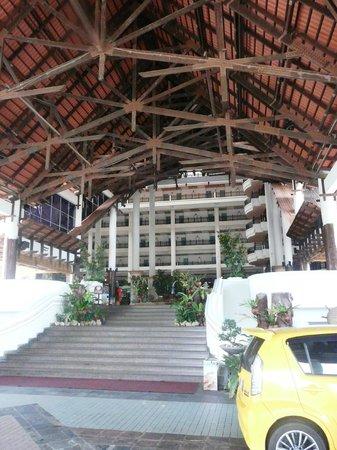 Resorts World Kijal : Entrance to the hotel