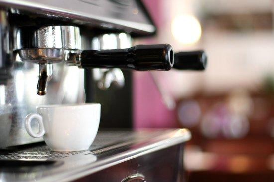 The Royal Hotel: Fresh coffee