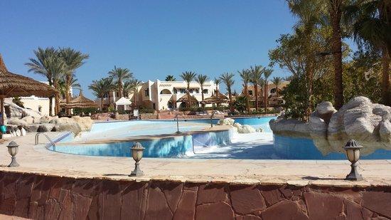Faraana Reef Resort : piscina in ristrutturazione