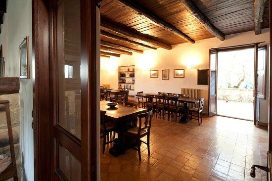 Terradura, Italië: Sala interna Casale Le Favate