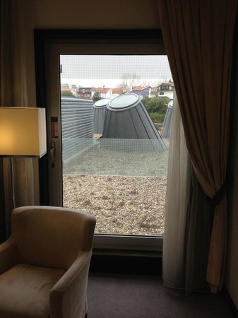 Melia Ria Hotel & Spa: The view from the window was not great