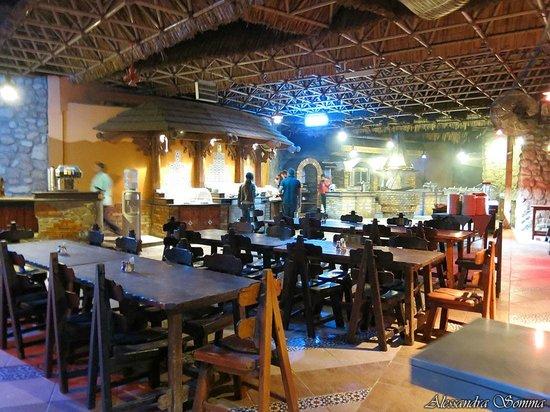 Faraana Reef Resort: ristorante grill: buffet
