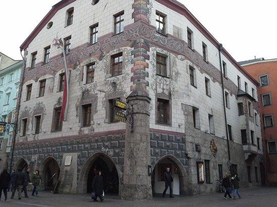Altstadt von Innsbruck: Goldener Adler Hotel in die Altstadt