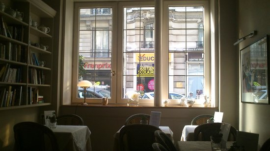 New Orient Hôtel : Área de desayuno y Librería