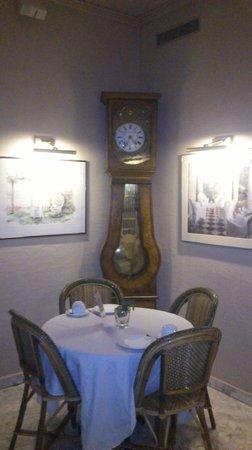 New Orient Hôtel : Área de Comedor y desayunios