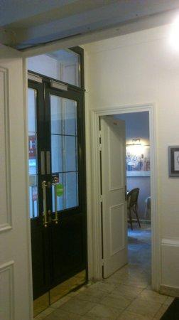 New Orient Hotel: Hall de entrada