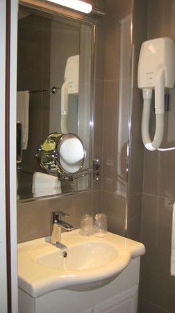 New Orient Hôtel : Aseo y Baño